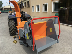 professional hydraulic disk operating wood chipper for tractor mod dk 1800