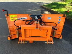 snowplow with 3 point linkage for tractor lnv 200 c