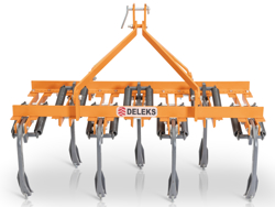 cultivator for tractor width 140cm 7 tynes for soil preparation and weeds disrupting mod de 140 7