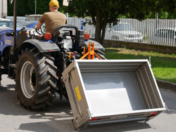 transport box for tractor t 2000